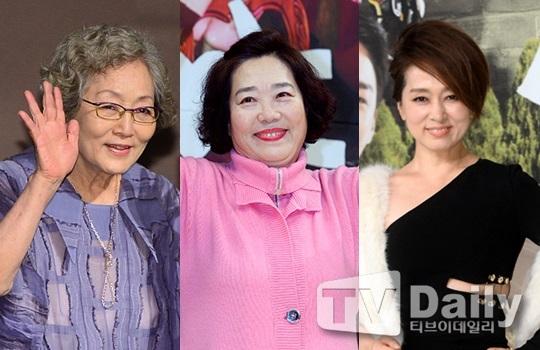 (왼쪽부터) 김영옥 양희경 문희경