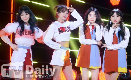 레드벨벳 (왼쪽부터) 웬디, 슬기, 아이린, 예리