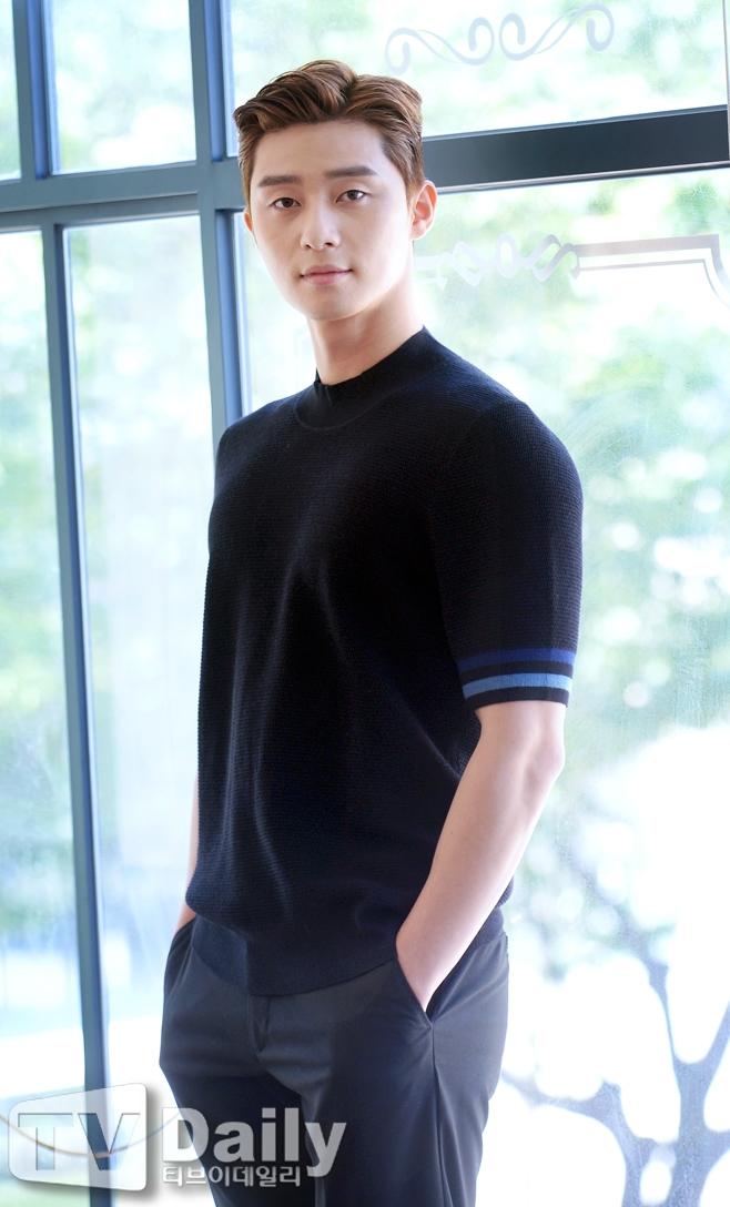 청년경찰, 박서준