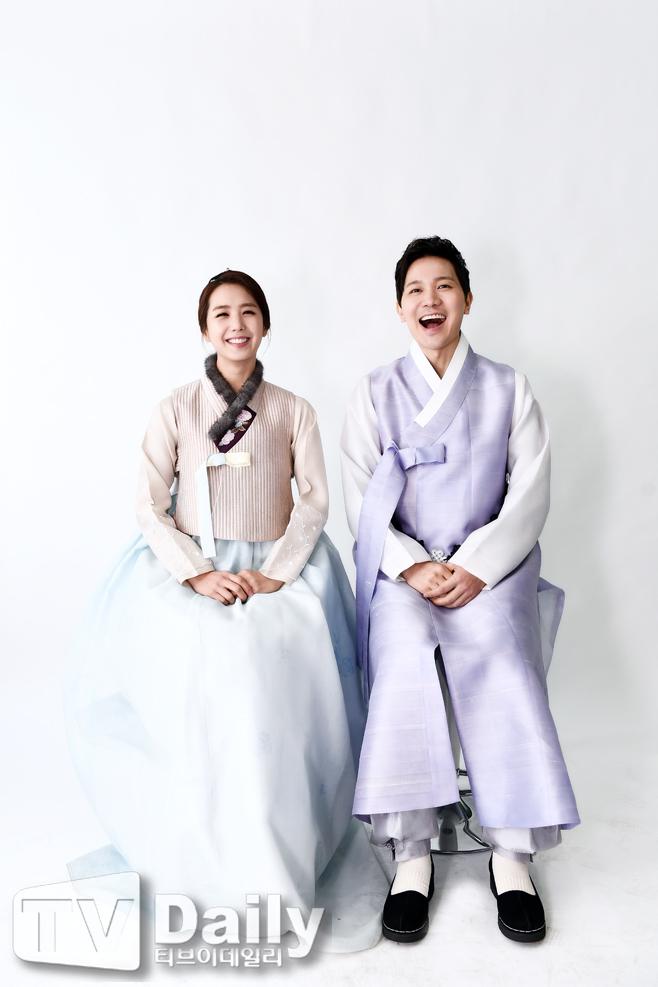 이지애(왼쪽) 김정근(오른쪽) 부부