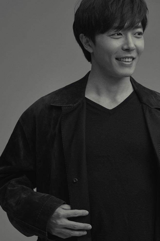 손 더 게스트 김재욱