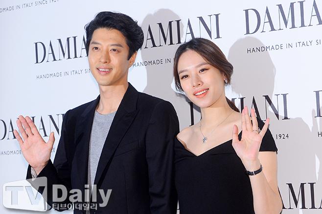 배우 조윤희(오른쪽) 이동건(왼쪽) 부부