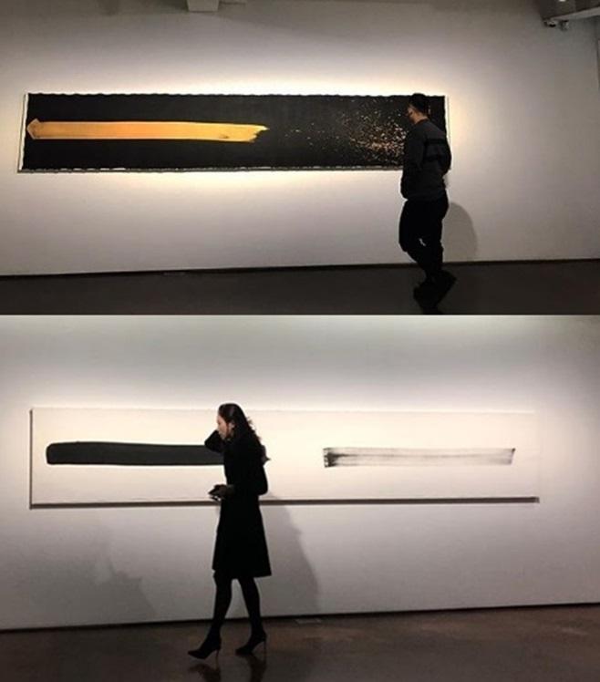 마이크로닷(위)과 홍수현(아래)이 같은 날 게재한 전시회 사진