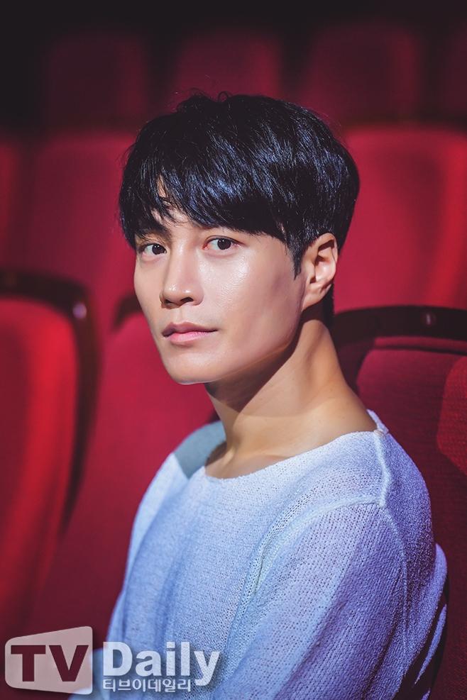 배우 김다현, 연극 왕복서간