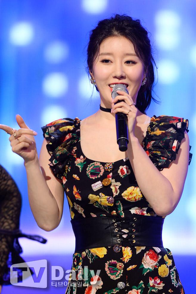 나비 결혼 정오의 희망곡 김신영입니다