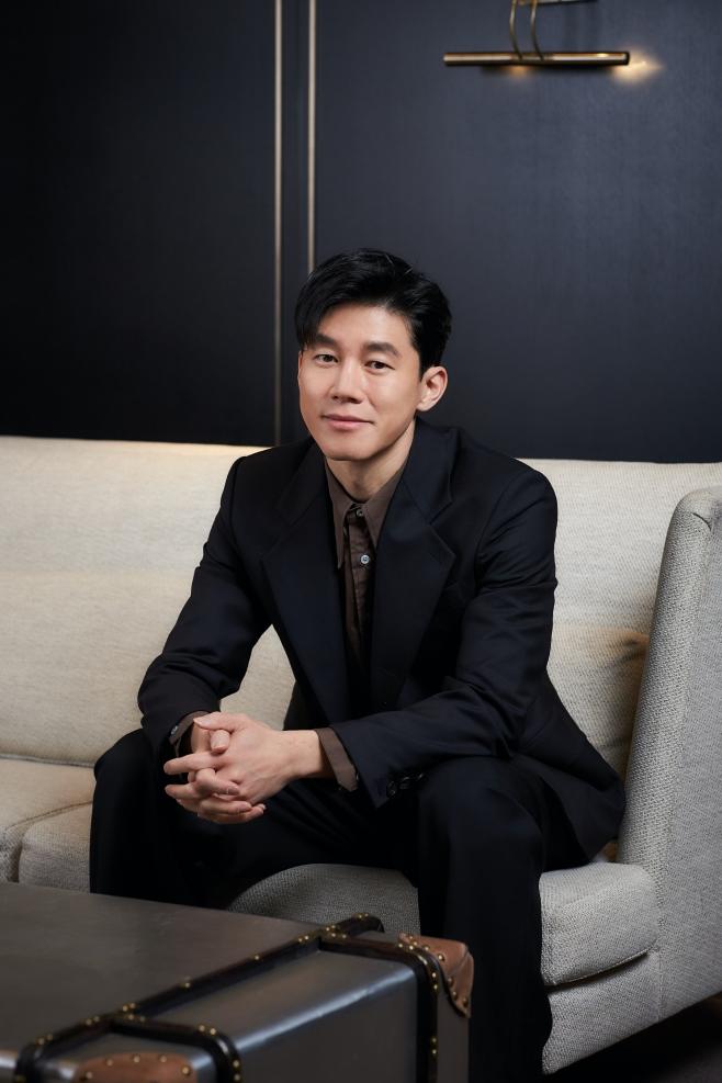정직한 후보, 김무열