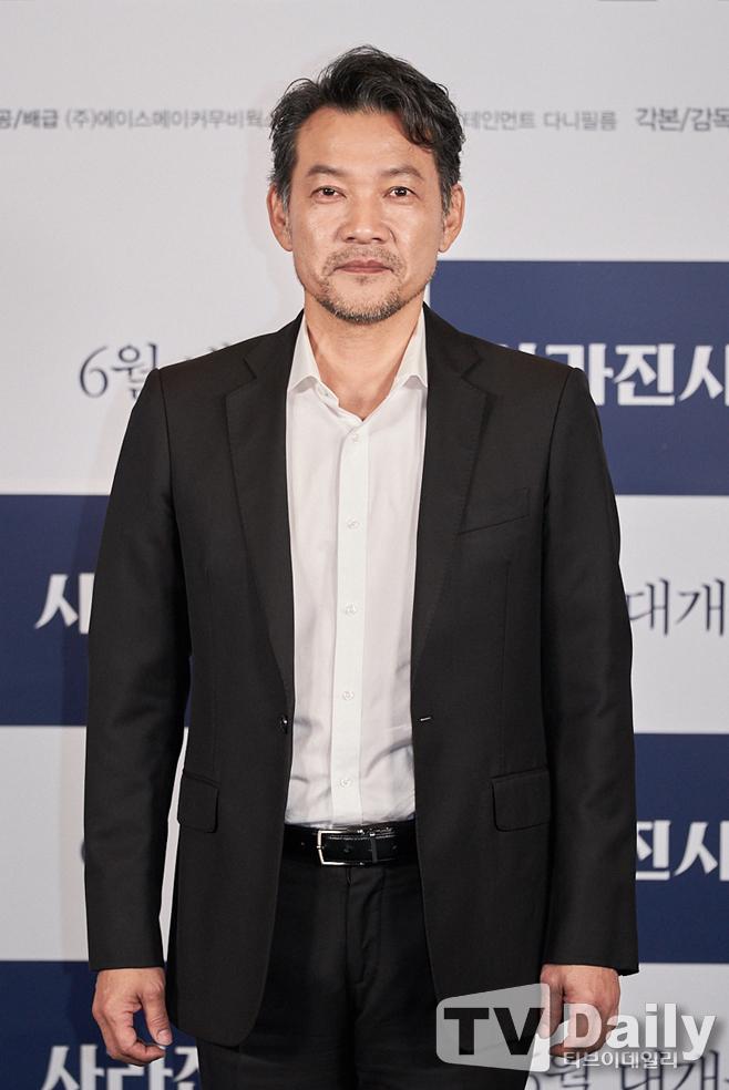 사라진 시간, 정진영, 조진웅