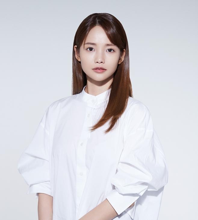 하연수, 김다미