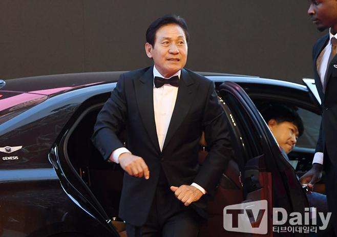 배우 안성기 나이 병원 병명 영화 종이꽃 개봉