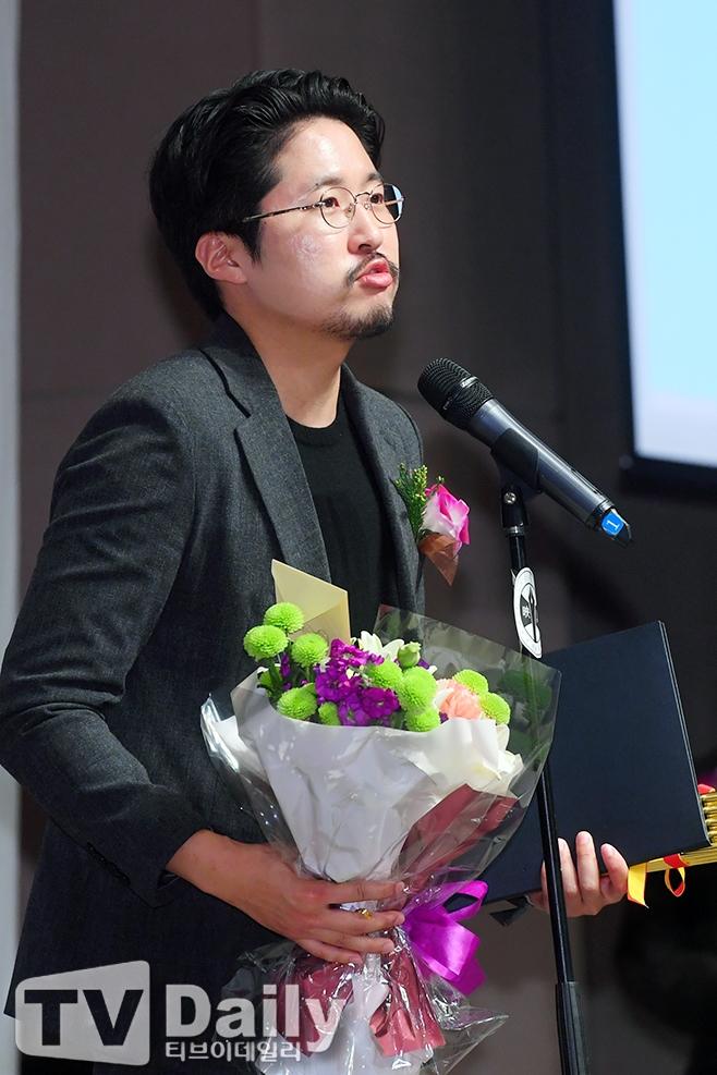 홈타운, 조현훈 감독